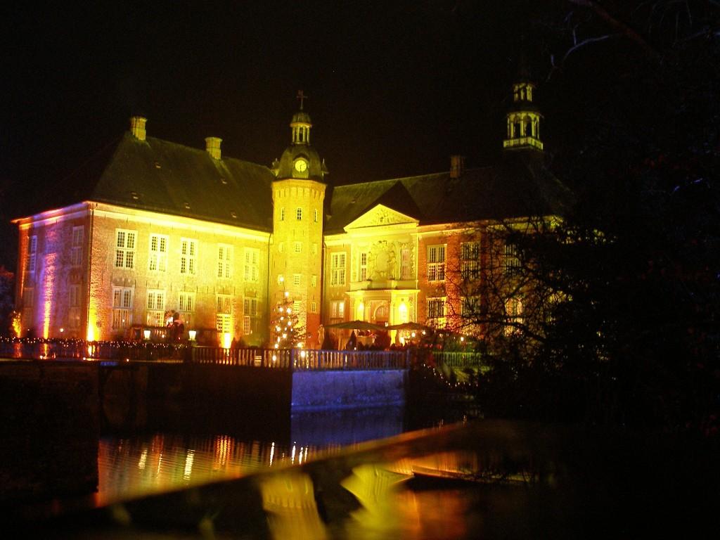 Ausflug von Hooksiel zum Weihnachtsmarkt auf Schloss Gödens